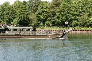 Gelsenkirchen - Rhein-Herne-Kanal - Reservist (Hafenbrücke) 03 ies.jpg