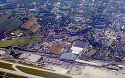 Geneva airport from air 1.jpg