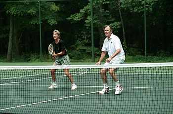 English: President George H. W. Bush playing t...