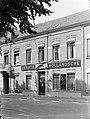 Gevel van een bijkantoor van de Eerste Hollandsche Levensverzekerings Bank in Br, Bestanddeelnr 189-1329.jpg
