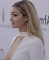 Gigi Hadid amFAR 2015.png