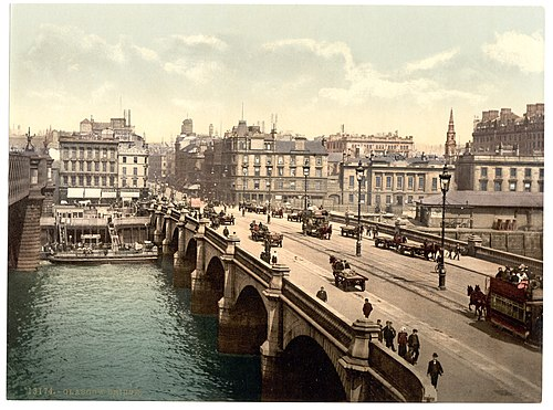 Glasgow Bridge in the 1890s Glasgow Bridge, -Glasgow, Scotland--LCCN2001706006.jpg