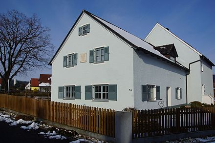 House in Erasbach, constructed in 1713 by Gluck's father, where many believe the composer was born. Gluck-Geburtshaus Erasbach 005.JPG