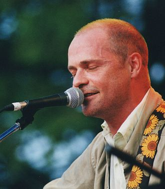 Gord Downie - Downie performing in Guelph, Ontario (2001)