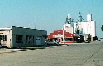 Sioux Center, Iowa - Image: Grain Elevators, Sioux Center, IA 9 2005 (6917732297)