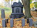 Grave of Lehb Family - 01.jpg