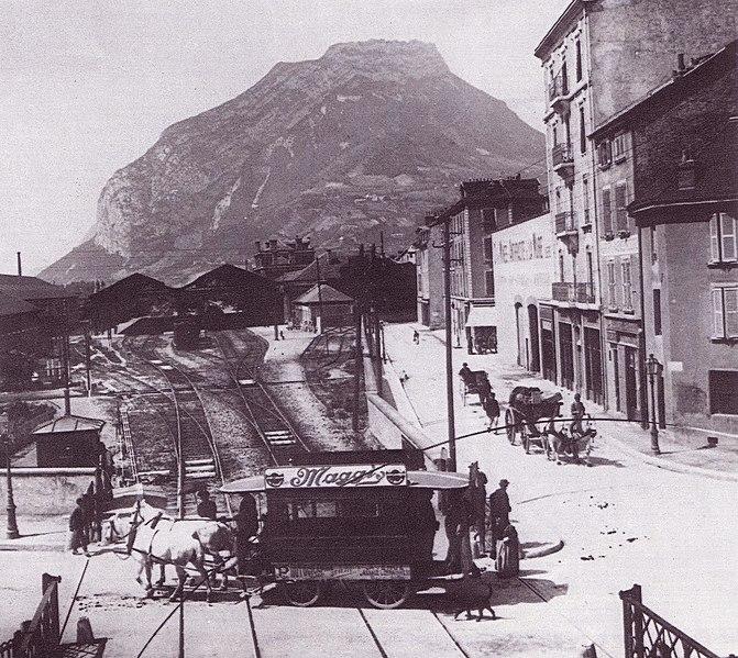 Fichier:Grenoble - Car Ripert.jpg