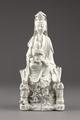 Guanyin barmhärtighetens gudinna gjord av porslin i Kina på 1600-talet - Hallwylska museet - 95579.tif