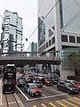 HK 金鐘 Admiralty Queensway 紅燈燈位 footbridge 花園道 Garden Road Lippo Centre April 2021 SS2 01.jpg