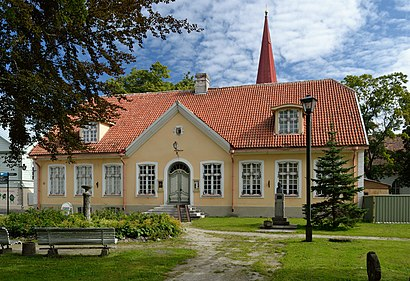 How to get to Haapsalu with public transit - About the place