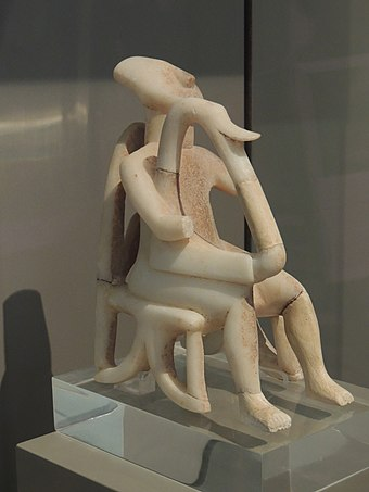 Harp player, example of Cycladic art, at the National Archeological Museum, Athens Harp player, Cycladic civilization - Greece.JPG