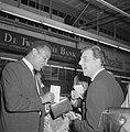 Harry Belafonte op Schiphol voor Sight Seeing in Amsterdam, op het platform begr, Bestanddeelnr 916-4010.jpg