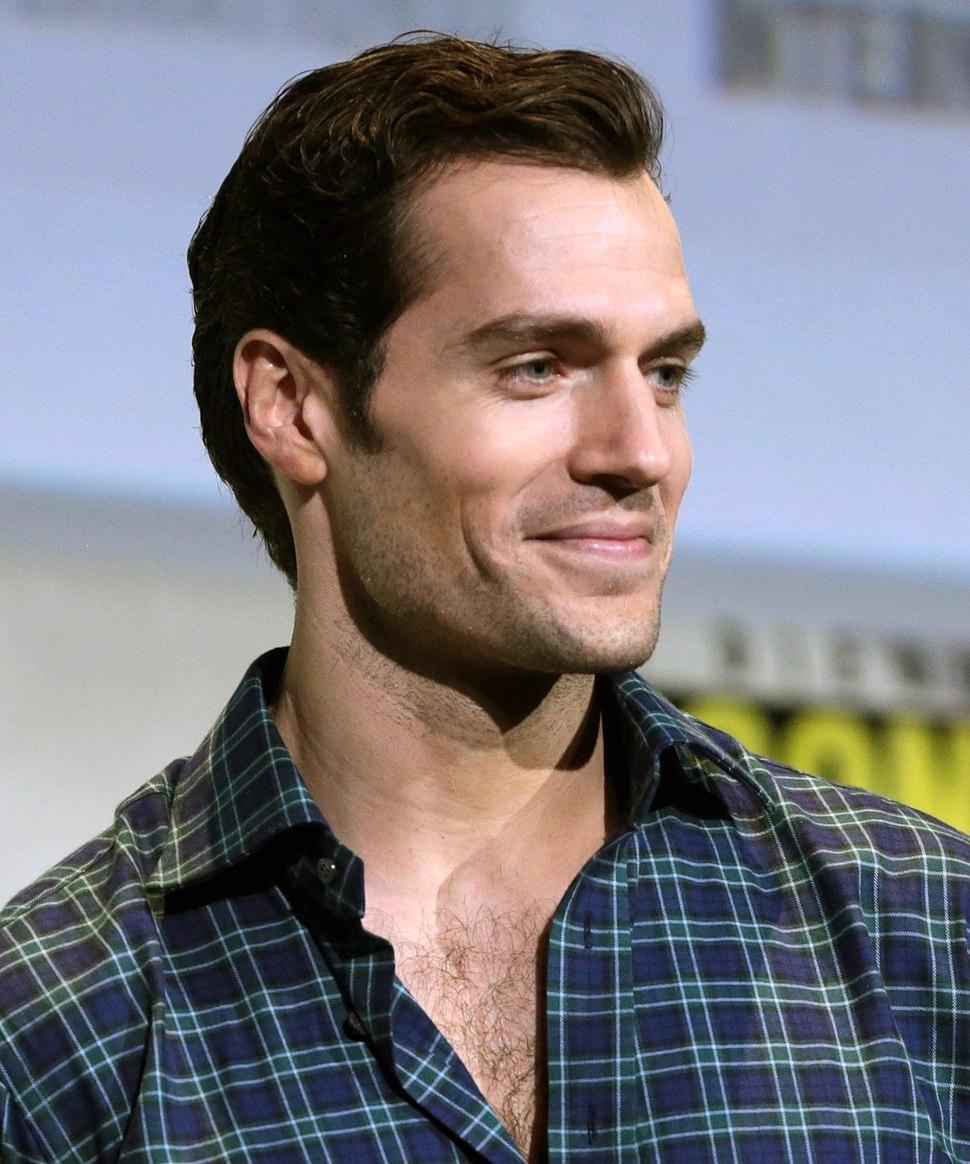 Henry Cavill at the 2016 San Diego Comic Con International (1)