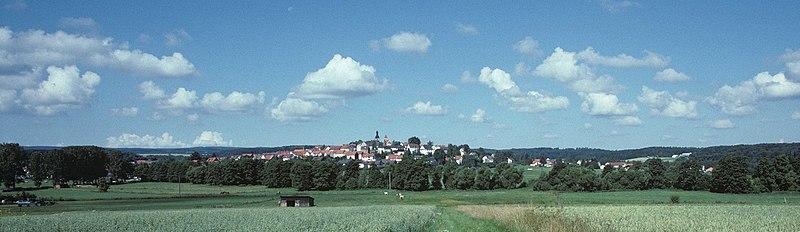 File:Herbstein Ostpanorama.jpg