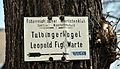 Hiking sign Tulbingerkogel, Königstetten.jpg