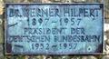 Hilpert Denkmal Schild.png