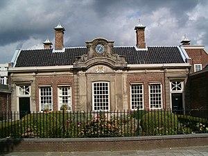 Hofje van Noblet - Front entrance of the hofje.
