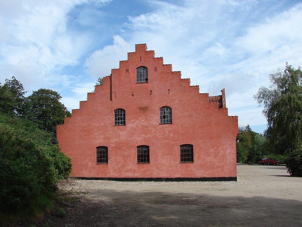 Holckenhavn Slot3.JPG