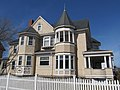 Horace Munroe House, Auburn ME.jpg