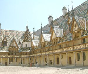 Beaune Altarpiece - Courtyard of the Hôtel-Dieu