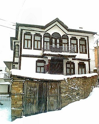 Kruševo - Traditional architecture in Kruševo in winter