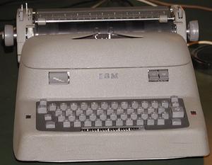 Deutsch: Elektrische IBM-Schreibmaschine aus d...
