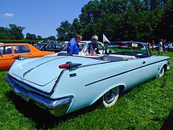 Imperial Crown Convertible 1962 2.jpg