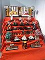 Ist di Cultura giapponese - altare della festa delle bambole P1100919.JPG