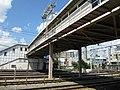 JR Senrioka Station platform - panoramio (3).jpg