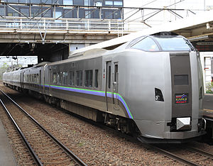 Kamui (train) - A 789-1000 series EMU on an Airport/Super Kamui service in May 2011