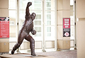 Johnny Bench - Bench's statue at Great American Ball Park