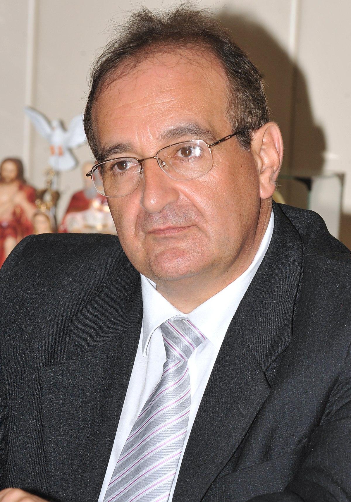 Pesidente municipal de - 1 4