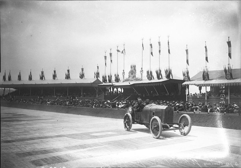 File:Jules Goux at the 1913 French Grand Prix (7).jpg