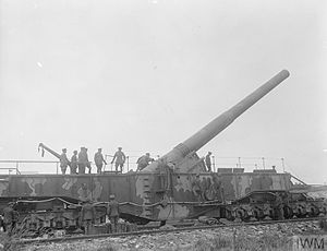 BL 14-inch Railway Gun - King George V inspects Boche Buster, Marœuil 8 August 1918