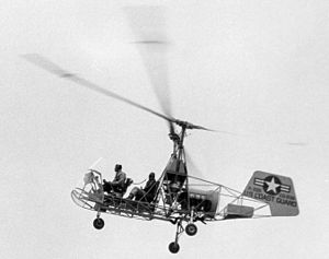 Kaman K-225 in flight at CGAS Elizabeth City 1950s.jpeg