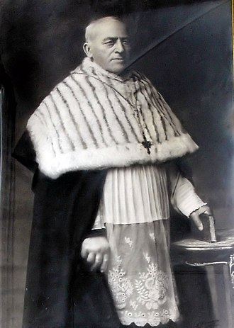 Canon (priest) - Another Flemish canon in official clerical dress of canons