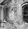 Kapel van het voormalige Agnietenklooster te Zutphen, fragment van de noordgevel (nabij de refter), in verval - Zutphen - 20227026 - RCE.jpg
