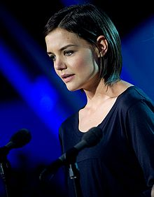 Katie Holmes making a speech at the National Memorial Day in Washington, D.C., May 24, 2009