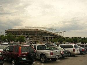 Kauffman Stadium exterior.jpg