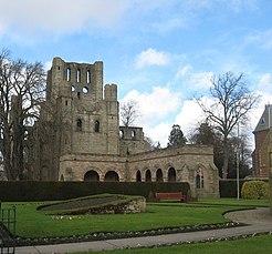 Kelso Abbey - geograph.org.uk - 1194635.jpg
