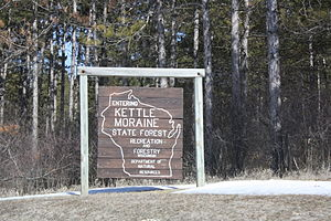 Kettle Moraine State Forest - Sign entering southern unit
