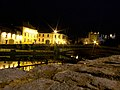 Kilkenny bridge and castle night - panoramio.jpg