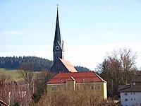 Kirche und Rathaus von Teisnach.JPG