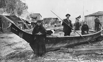 Thuja plicata - Klallam people and canoe, ca. 1914