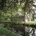 Koetsierswoning, gezien vanaf huis Mensing - Roden - 20386809 - RCE.jpg