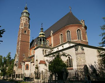 https://upload.wikimedia.org/wikipedia/commons/thumb/c/c2/Krakow_church_20070805_0912.jpg/360px-Krakow_church_20070805_0912.jpg