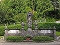 Kriegerdenkmal und Freiplastik Maria Immaculata in Hieflau.jpg