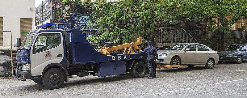 File:Kuala Lumpur Malaysia Tow-truck-03.jpg
