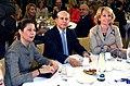 La presidenta junto al ministro de Educación y su homóloga en la Comunidad de Madrid.jpg