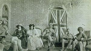 Kurdish women - Lady Adela (center), ruler of Halabja, meeting with Major Soane in 1919.